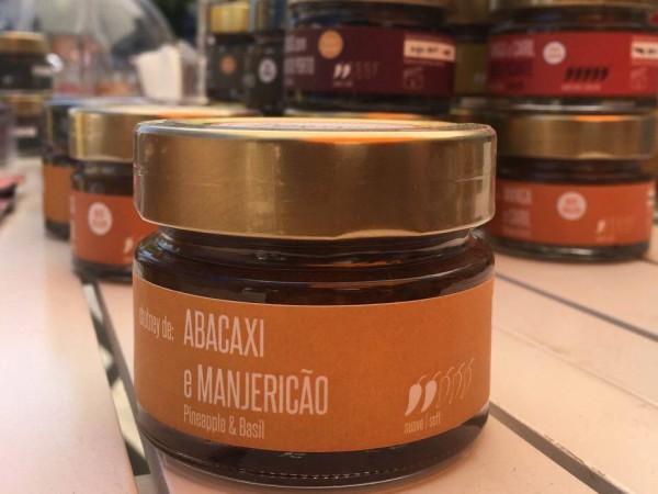 Abacaxi e Manjericão