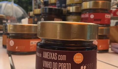 Ameixas com Vinho do Porto